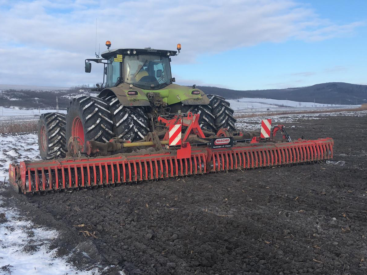 The following seedbed preparation works perfectly on frozen ground at -5 degrees.